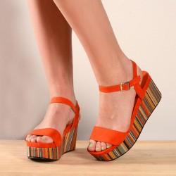 Sandalia con plataforma naranja