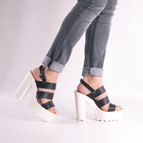 Zapatos de fiesta negros taco blanco