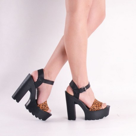 Zapato fiesta animal print