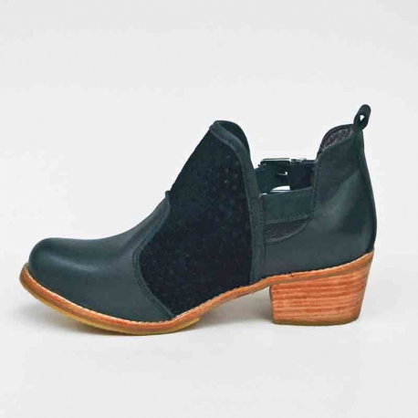 Botin cut out negro, cuero natural