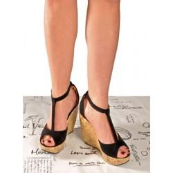 Sandalia con plataforma negra de fiesta